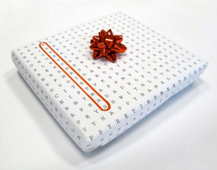 universal-wrapping-paper 35 Creative and Simple Gift Wrapping Ideas
