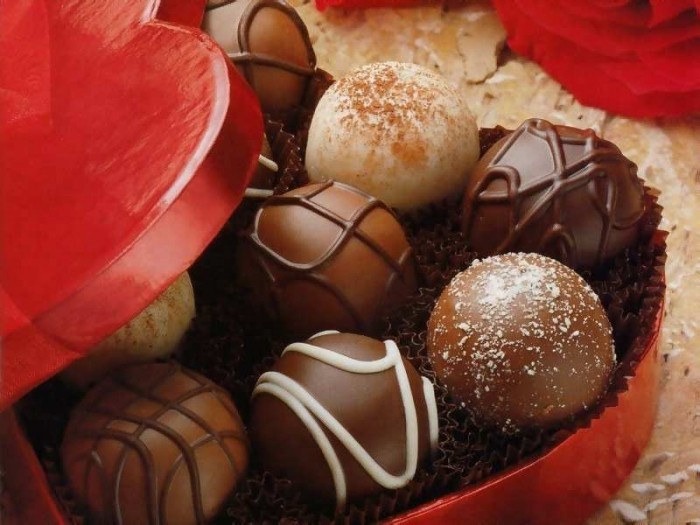 valentines-day-chocolates1 Muslims' Celebrations In Eid Al-Fitr
