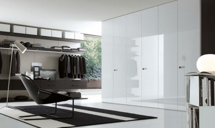 walk-in-wardrobe-in-white 35+ Modern Designs Of Wardrobes