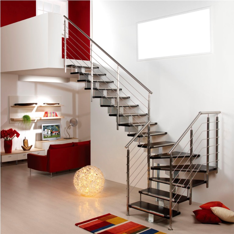 wooden-stair-railing-idea Decorate Your Staircase Using These Amazing Railings
