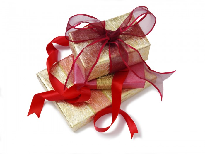 wrapped-prsnts 35 Creative and Simple Gift Wrapping Ideas