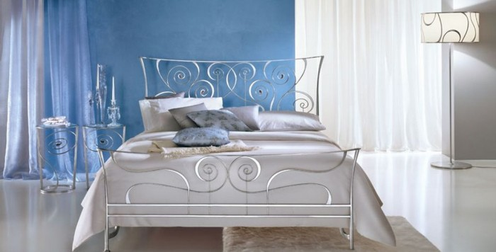 wrought-iron-bed-classic-style-with-luxury-and-comfortable-design-2 Luxury Designs For Beds Made Of Metal