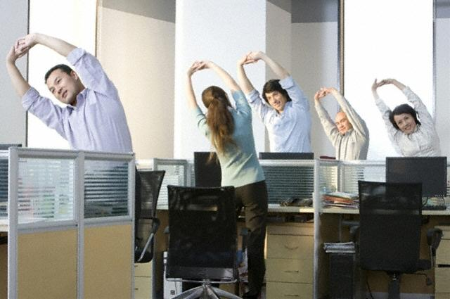 yoga-trabajo Resolve Your Body's Tension At Work By Doing Computer Yoga