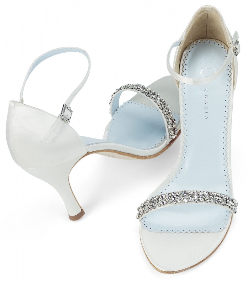 010283 A Breathtaking Collection of White Bridal Shoes for Your Wedding Day