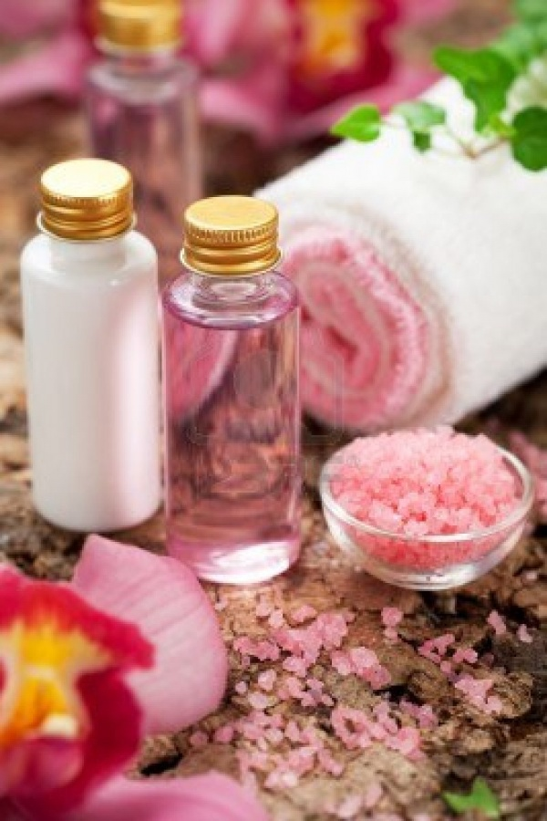 11963029-body-care-products-or-spa-still-life 48+ Best Christmas Gift Ideas for Your Wife