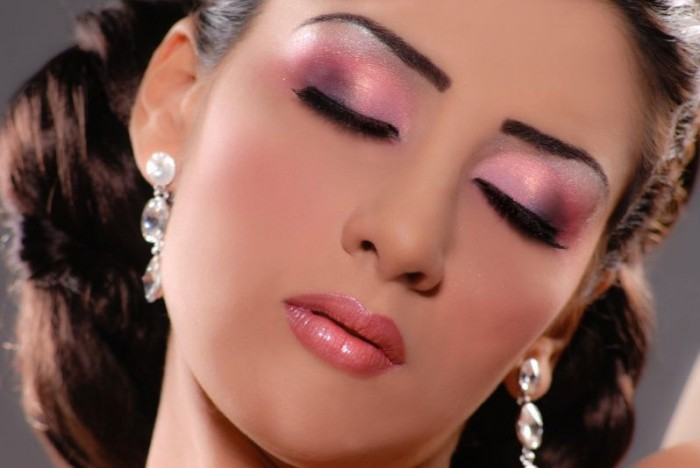 1379161833141 Get a Magnificent & Catchy Eye Make-up Following These 6 Easy Steps