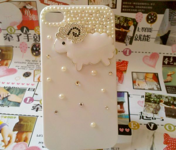 2013516621550 50 Fascinating & Luxury Diamond Mobile Covers for Your Mobile
