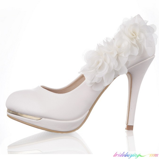 2013_white_lace_flower_bridal_bridesmaid_pumps_3_inches_stiletto_heel_wedding_shoes_1 A Breathtaking Collection of White Bridal Shoes for Your Wedding Day