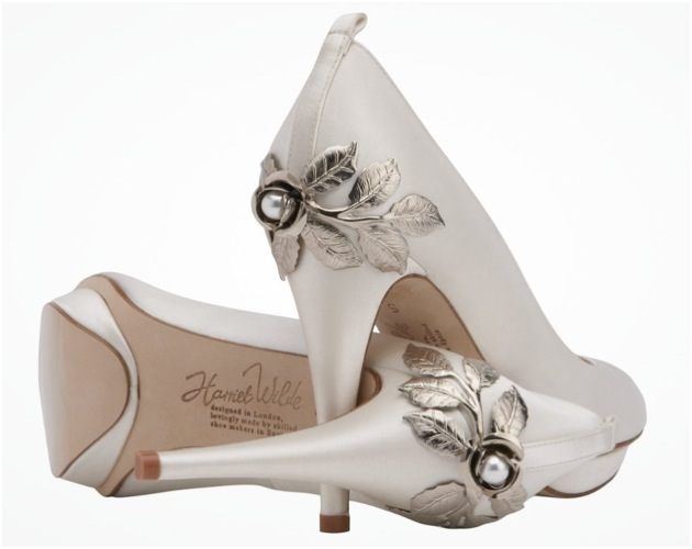 28 A Breathtaking Collection of White Bridal Shoes for Your Wedding Day