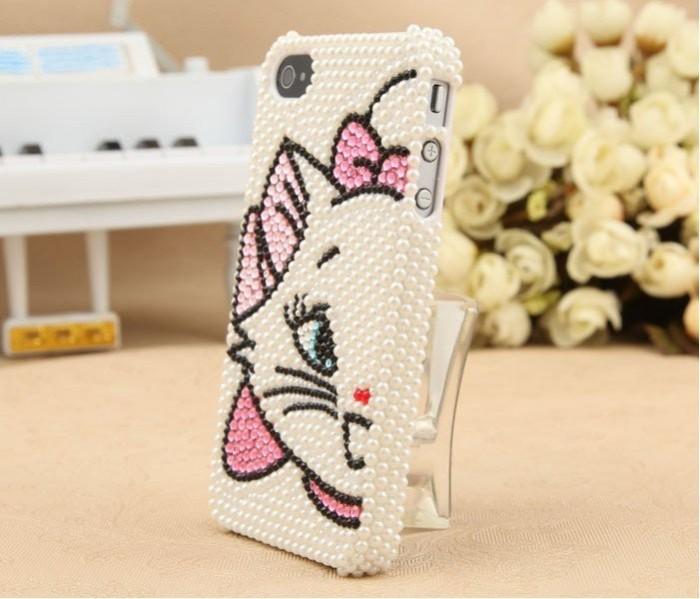 495224048_263 50 Fascinating & Luxury Diamond Mobile Covers for Your Mobile
