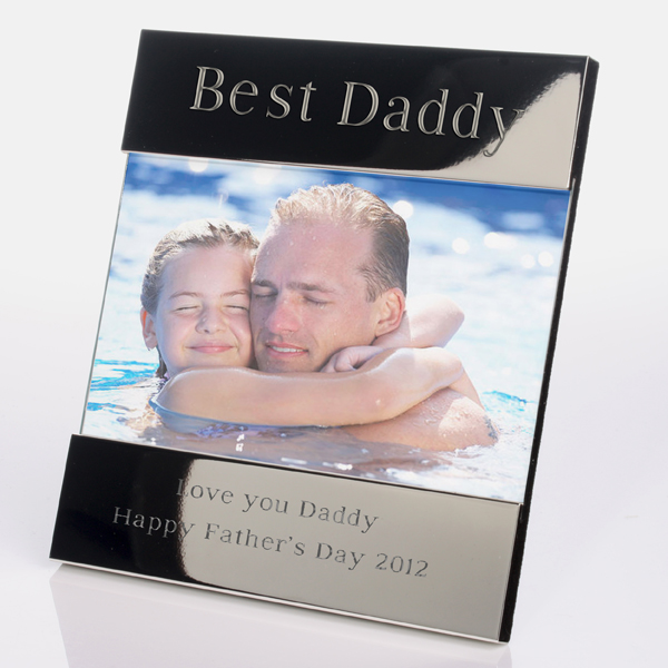 600x1000_fitbox-best_daddy_engraved_photo_frame The Best 10 Christmas Gift Ideas for Your Daddy