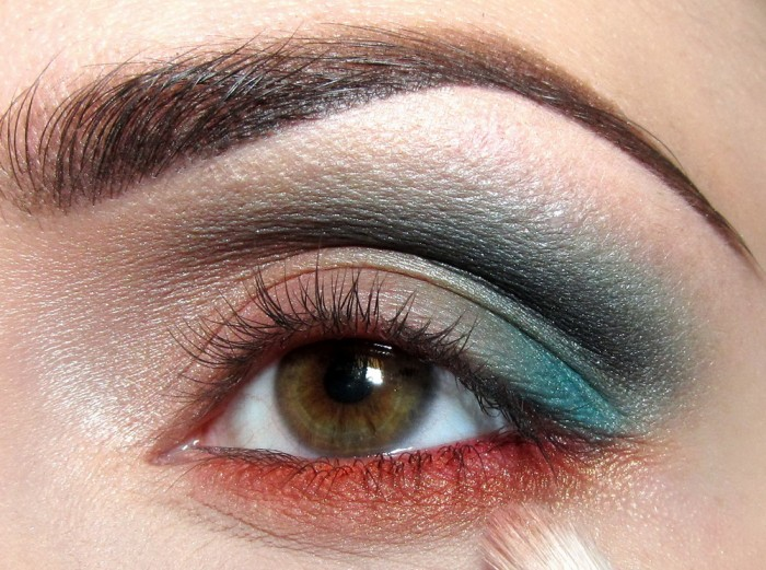 72 Get a Magnificent & Catchy Eye Make-up Following These 6 Easy Steps