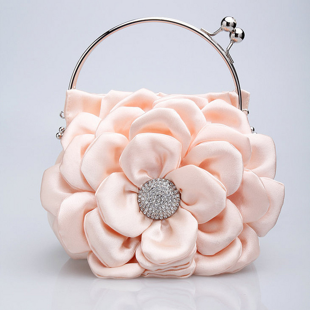 7730456154_10369150b3_z 50 Fabulous & Elegant Evening Handbags and Purses