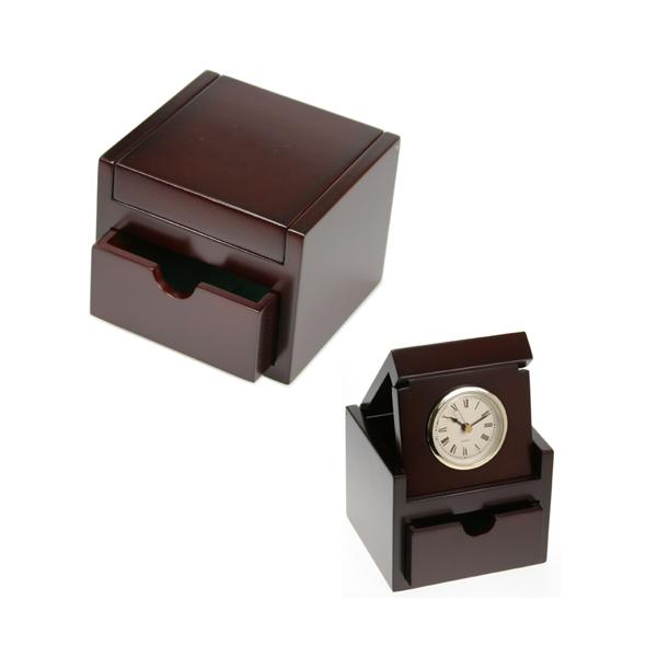 966D556 10 Retirement Gift Ideas for Women