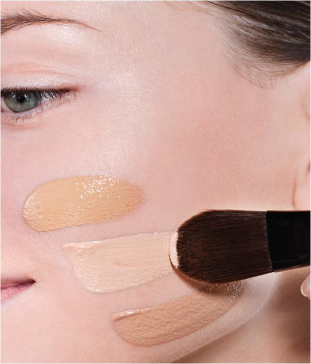 Apply-Foundation Follow These 5 Easy Steps to Apply Foundation and Powder on Your Own