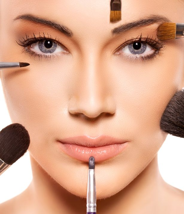 Applying+professional+make+up Follow These 5 Easy Steps to Apply Foundation and Powder on Your Own