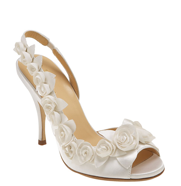 Best-Wedding-Shoes A Breathtaking Collection of White Bridal Shoes for Your Wedding Day