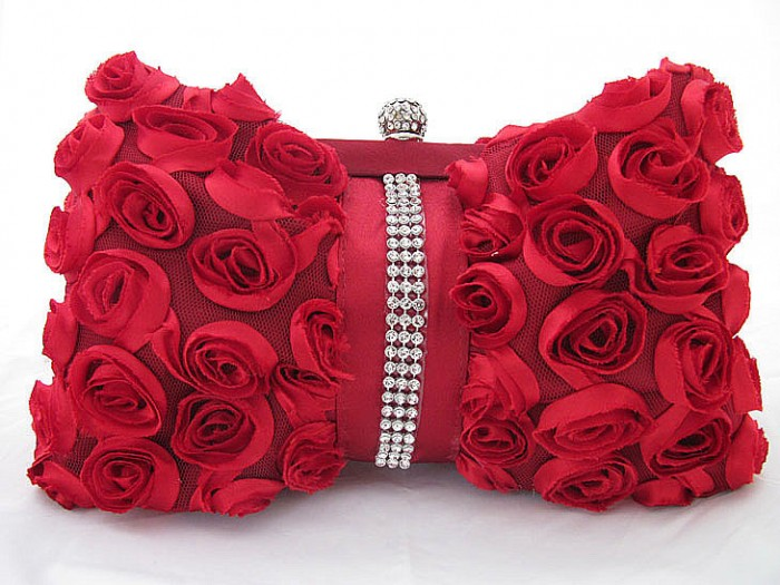 Bridal-Handbags-One-hundred-rose-evening-bag-diamond-female-handbag-Bridal-Bags-Evening-Bags-feast-images-Bridalbags-bridalhandbags037_1 50 Fabulous & Elegant Evening Handbags and Purses
