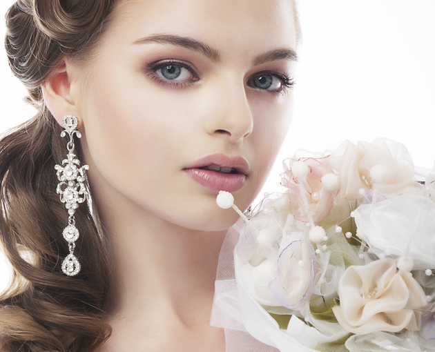 Bridal_Makeup_Tips_content Follow These 5 Easy Steps to Apply Foundation and Powder on Your Own