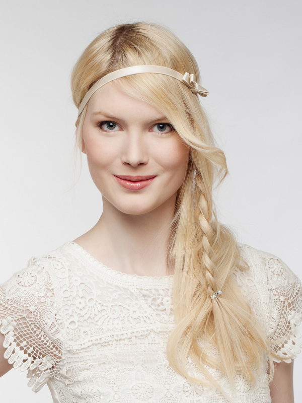 Bride-hairstyle-with-extensions 50 Dazzling & Fabulous Bridal Hairstyles for Your Wedding
