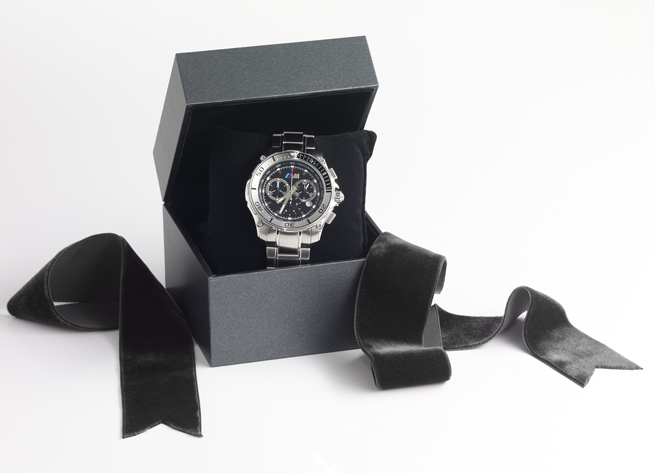 Christmas-Gifts-from-the-BMW-Lifestyle-Collection-THUMBNAIL-4 The Best 10 Christmas Gift Ideas for Your Daddy