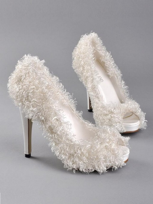 Complement-Your-Bridal-Attire-with-Unique-Bridal-Wedding-Shoes-3 A Breathtaking Collection of White Bridal Shoes for Your Wedding Day