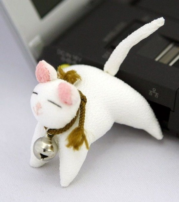 Cool-Designs-Of-USB-Flash-Drive-089 35 Weird & Funny Gifts for Women