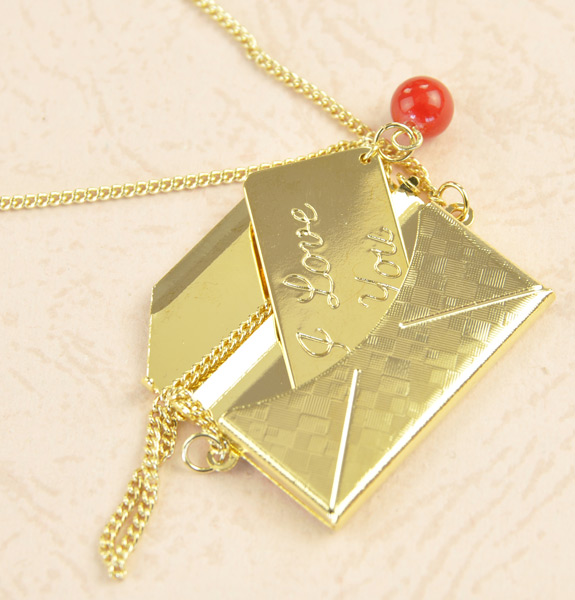 Cute-Mini-Envelope-Designed-Necklace-Christmas-gifts-Cool-stuffs-Brand-Put-in 35 Weird & Funny Gifts for Women