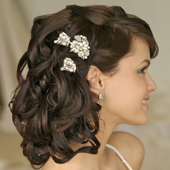 DIY-Wedding-Hairstyles-Tips-for-the-Budget-Bride 50 Dazzling & Fabulous Bridal Hairstyles for Your Wedding