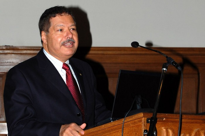 EGY_PRESS_IMG5805620133 The Egyptian Scientist Ahmed Zewail Has A Cancerous Tumor In The Spinal Cord.