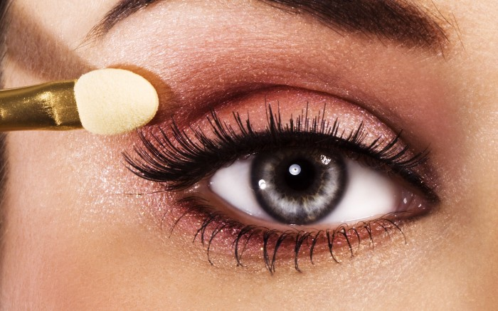 Eye-Makeup-Tips-With-Photo Get a Magnificent & Catchy Eye Make-up Following These 6 Easy Steps