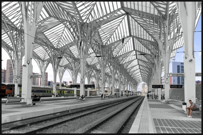 Gare-do-Oriente-Lisboa-5 12 Of The Most Modernist Railway Stations In The World