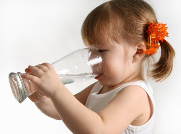 Girl-drinking-water_5728413Small_thumb 10 Advantages Of Drinking Water Which Will Help You To Live A Healthy Life
