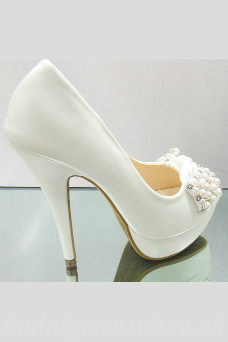 Gorgeous-Beaded-Waterproof-Vogue-White-Bridal-Shoes-For-Women@3 A Breathtaking Collection of White Bridal Shoes for Your Wedding Day
