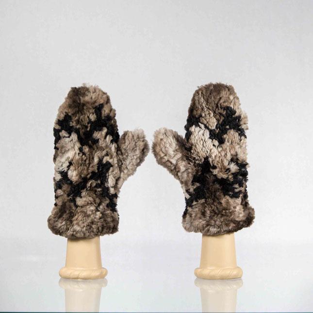 Handmade-Sheared-Beaver-Fur-Mittens13 10 Stunning & Fascinating Homemade Xmas Gifts