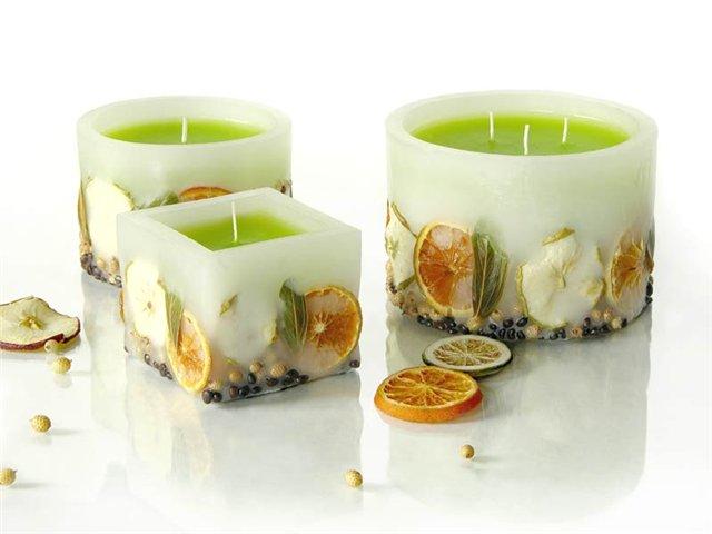 Homemade-Candle-Tips 10 Stunning & Fascinating Homemade Xmas Gifts