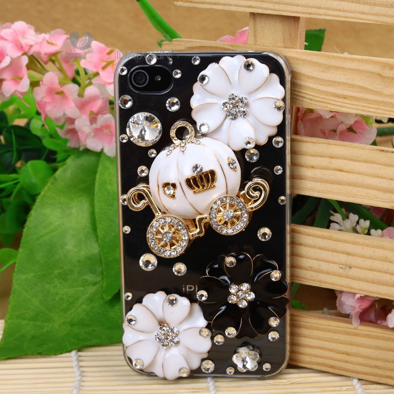Hot-selling-2012-new-Luxury-rhinestone-CZdiamond-mobile-cell-phone-skin-cover-case-for-iphone4-4s 50 Fascinating & Luxury Diamond Mobile Covers for Your Mobile