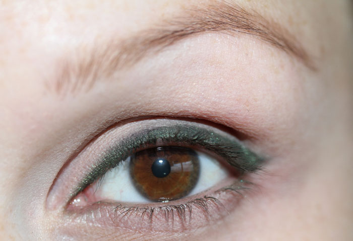 IMG_8521 Get a Magnificent & Catchy Eye Make-up Following These 6 Easy Steps