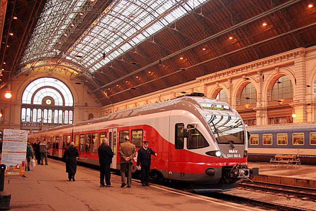 Keleti1112 12 Of The Most Modernist Railway Stations In The World