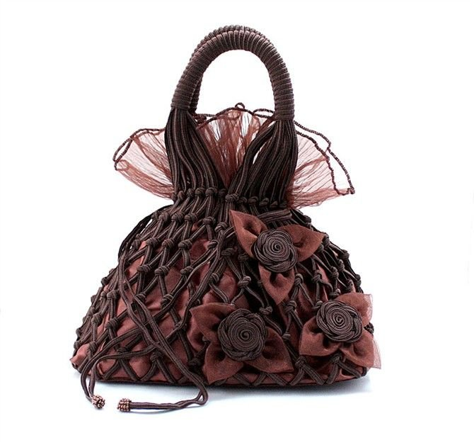 New-women-s-Elegant-evening-bags-Ladies-wedding-bag-Lace-net-evening-bag-with-lotus-leaves