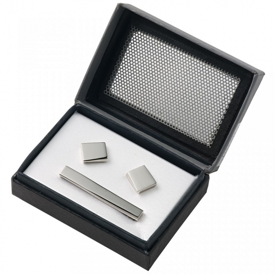 PER608_Chrome_Cufflinks__Tie_Bar 10 Simple & Cheap Engagement Gifts for Men