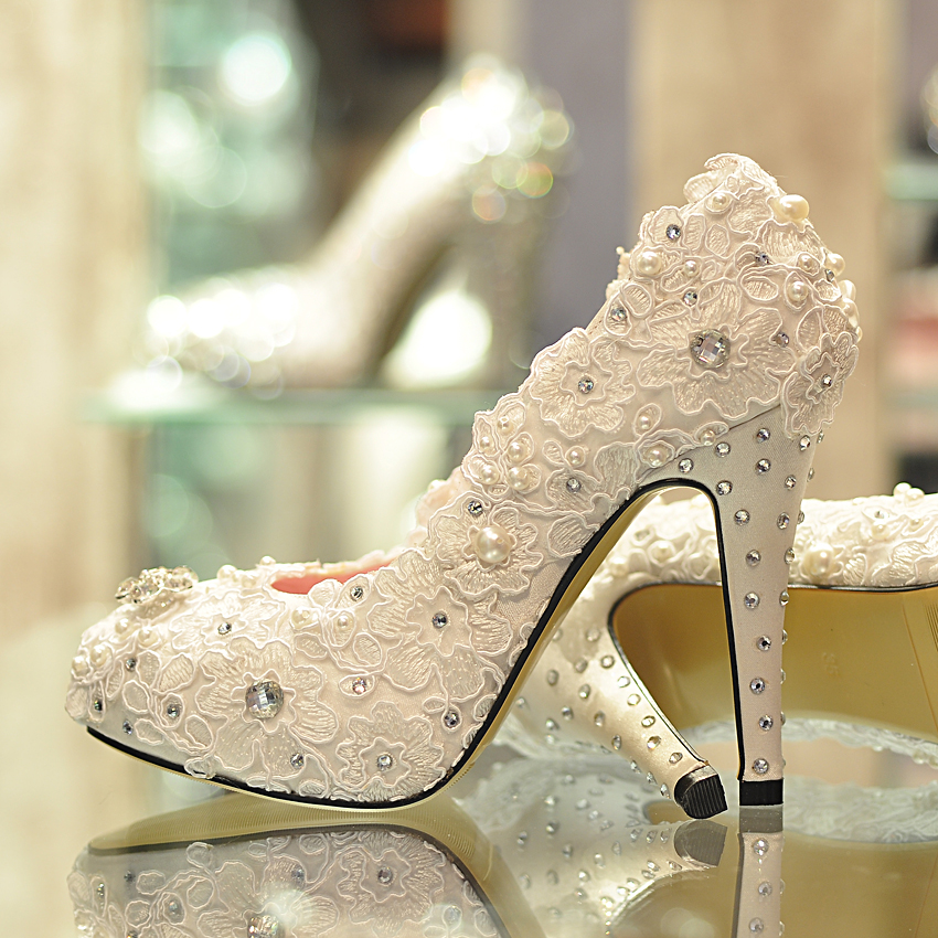 Paris-spring-rhinestone-pearl-lace-flower-wedding-shoes-bridal-shoes-wedding-shoes-white-high-heeled-shoes A Breathtaking Collection of White Bridal Shoes for Your Wedding Day