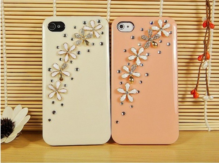 Reborn-diamond-mobile-phone-luxury-cover-for-iphone4-accessories-for-iphone4g-case-for-iphone4s-case-free 50 Fascinating & Luxury Diamond Mobile Covers for Your Mobile