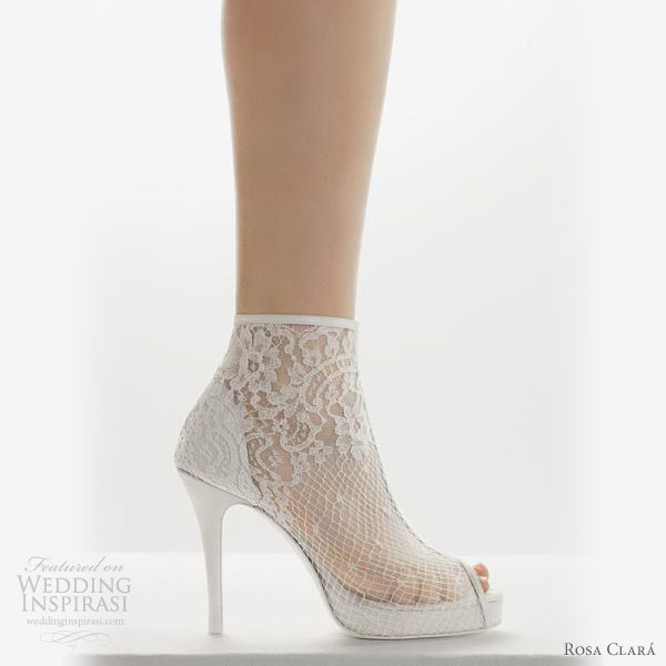 Rosa-Clara-2011-Bridal-Shoes3 A Breathtaking Collection of White Bridal Shoes for Your Wedding Day
