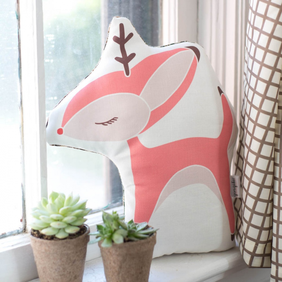 SmallDeerPillow 10 Stunning & Fascinating Homemade Xmas Gifts