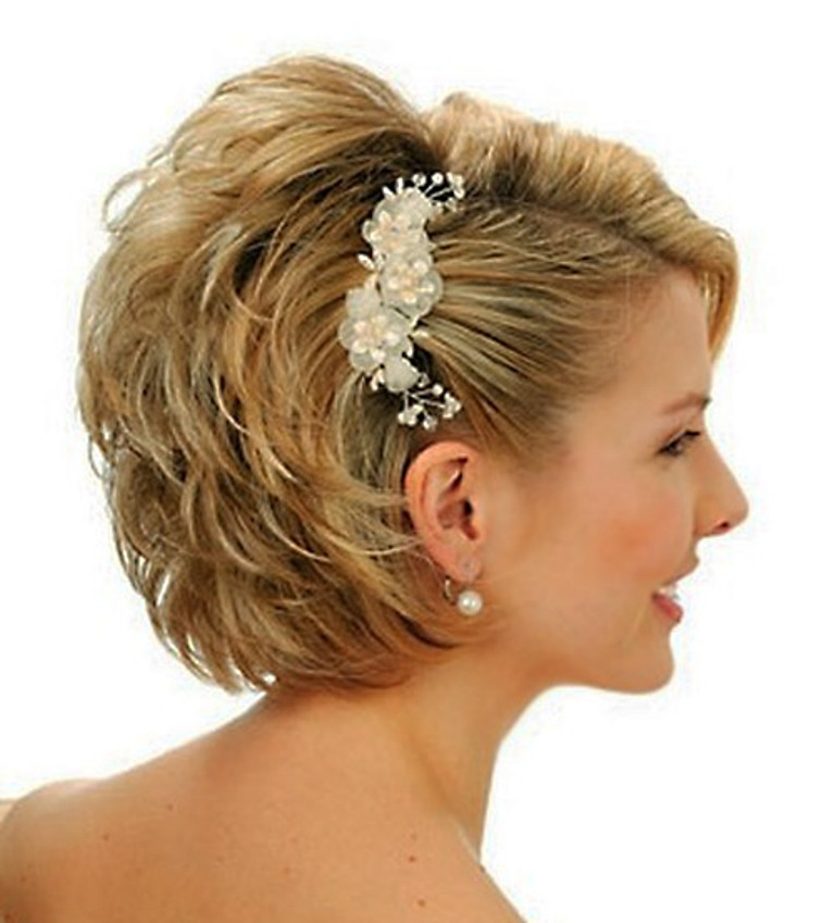 Wedding-hairstyles-for-women-with-short-hair 50 Dazzling & Fabulous Bridal Hairstyles for Your Wedding