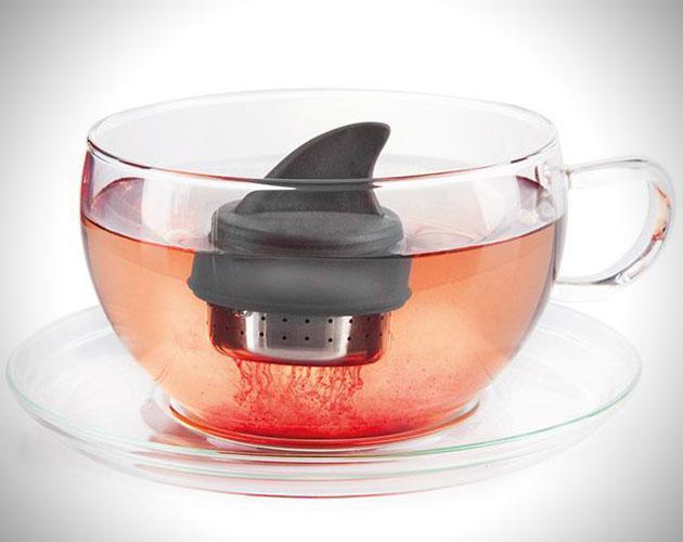 add-fun-to-tea-sharky-tea-infuser-L-uxl5cd 15 Fascinating & Unusual Christmas Presents