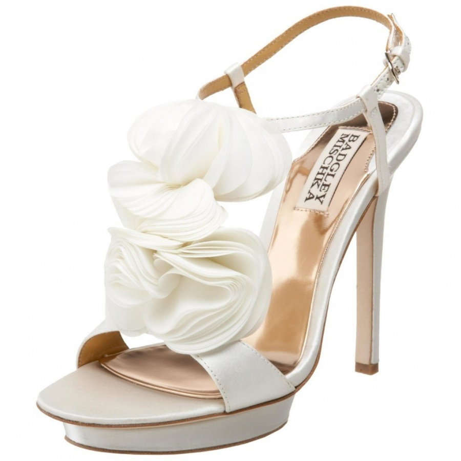 badgley_mischka_bridal_shoes_2 A Breathtaking Collection of White Bridal Shoes for Your Wedding Day