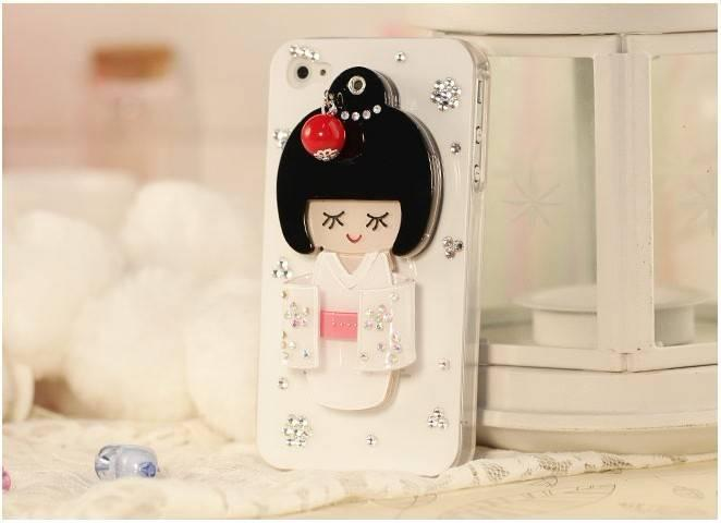 beautiful_diamond_mirror_doll_mobile_phone_case_for_iphone4_iphone4s 50 Fascinating & Luxury Diamond Mobile Covers for Your Mobile