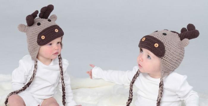 crochet-reindeer-hats 10 Stunning & Fascinating Homemade Xmas Gifts